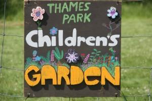 Thames Park sign